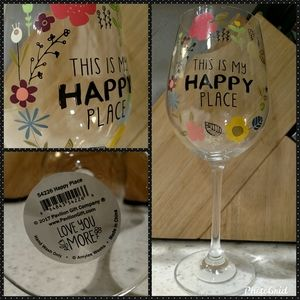 """🍷💝""""This Is My Happy Place"""" 12oz. Wine Glass💝🍷"""